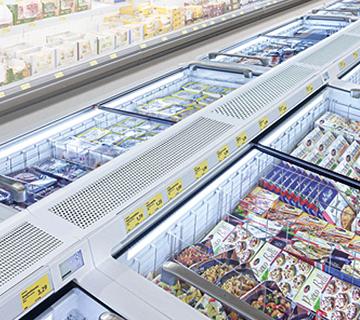 Tiefkühltruhe im Supermarkt