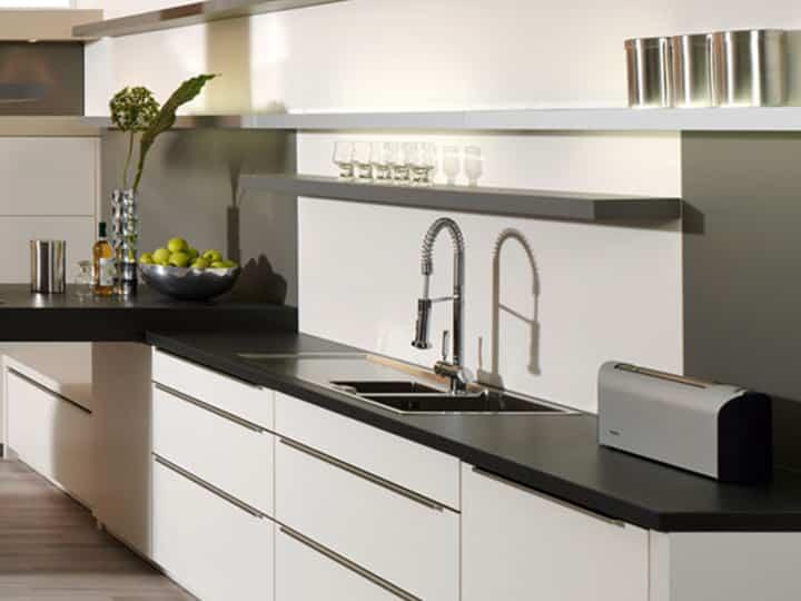 Küche renovieren mit hochwertiger neuer Arbeitsplatte bei Elha Service in München
