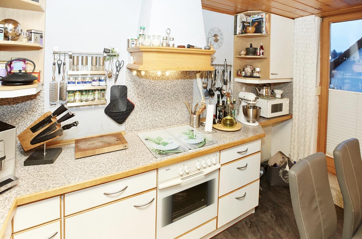 Küche vor Küchenrenovierung mit Fronten in Weiß