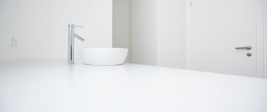Villoroy & Boch Waschbecken auf modernem Waschtisch