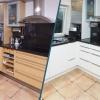 Vorher nachher Bild von einer alten aufgeppten Küche