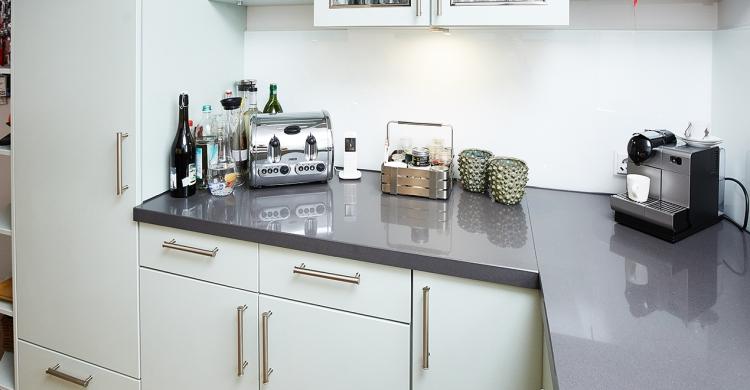 Neue Arbeitsplatte in Eckküche