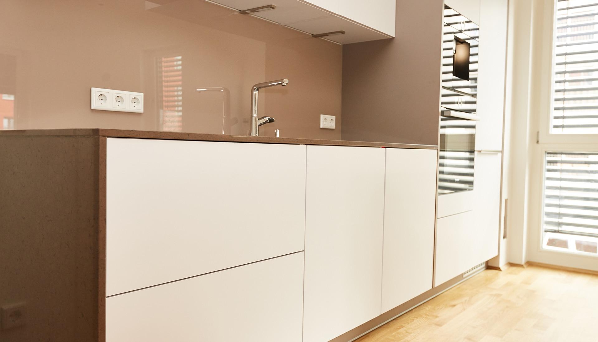 Atemberaubend Entwerfen Sie Ihre Eigene Küchenfliese Aufkantung ...