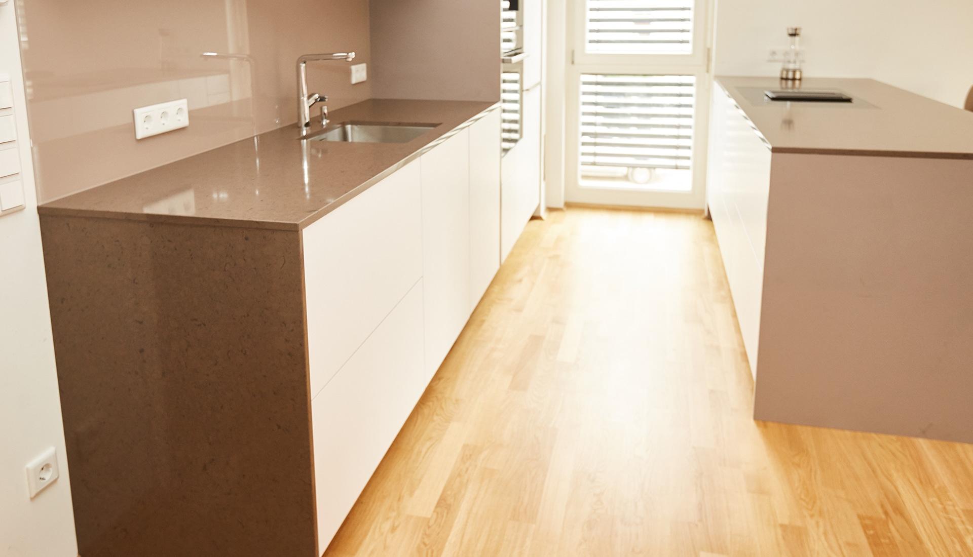 Schön Kreative Küche Entwirft Tal Strom Ny Fotos - Küchenschrank ...