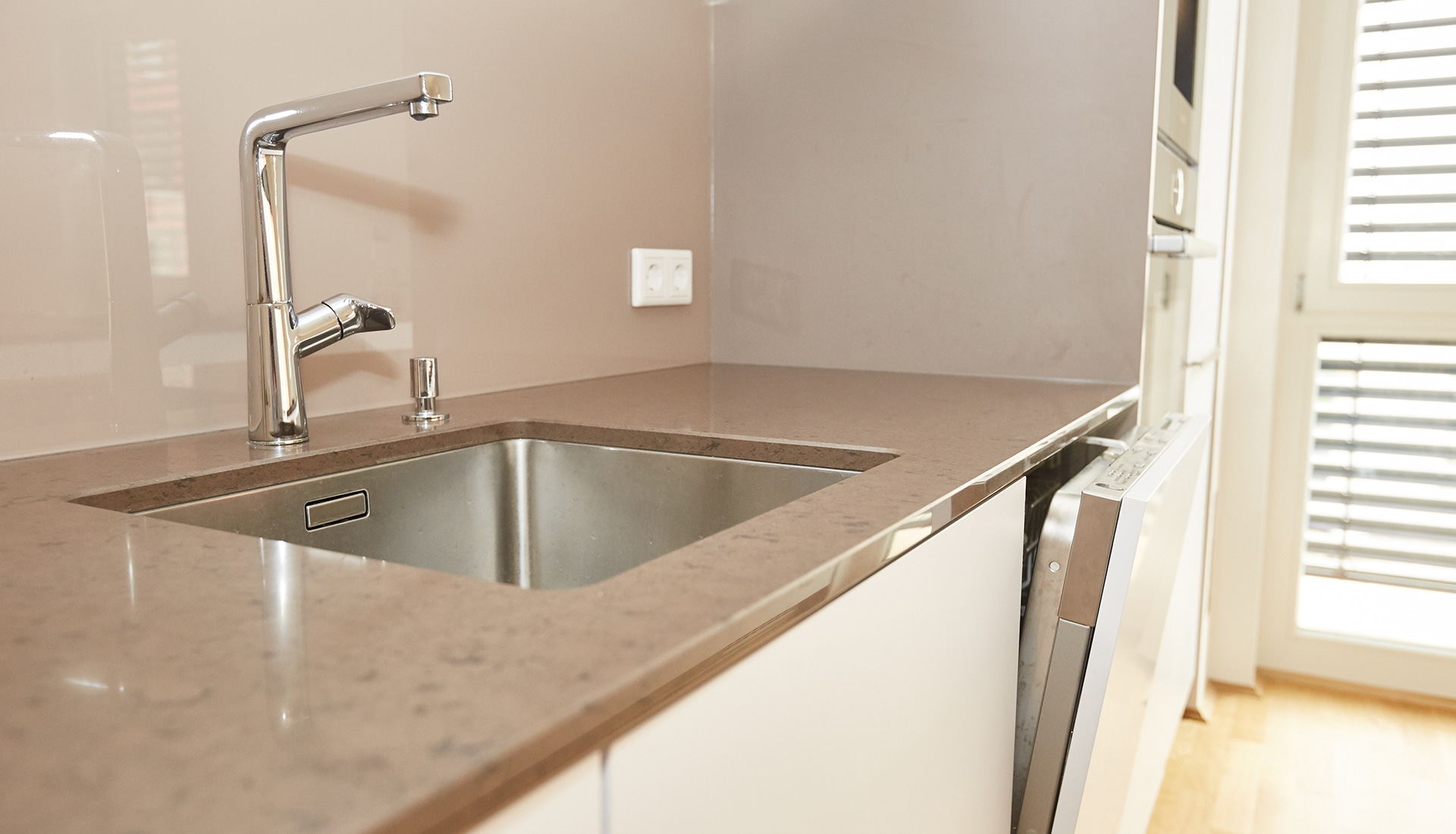 Wunderbar Entwirft Küchen Bilder Galerie - Küche Set Ideen ...