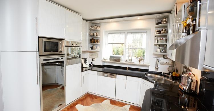 neue Küchenfronten für diese alte Küche bei Elha Service
