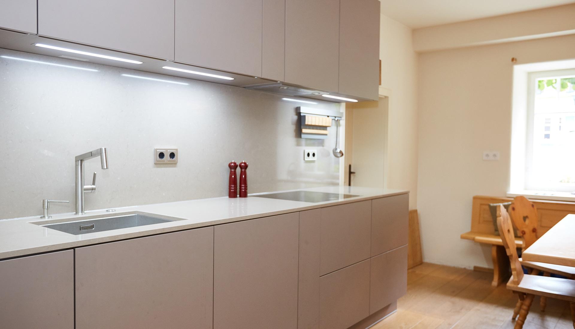 Ausgezeichnet Kreative Küche Entwirft Tal Strom Ny Fotos - Ideen Für ...