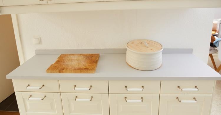 Küche aufwerten mit Avantgarde Arbeitsplatte in hell