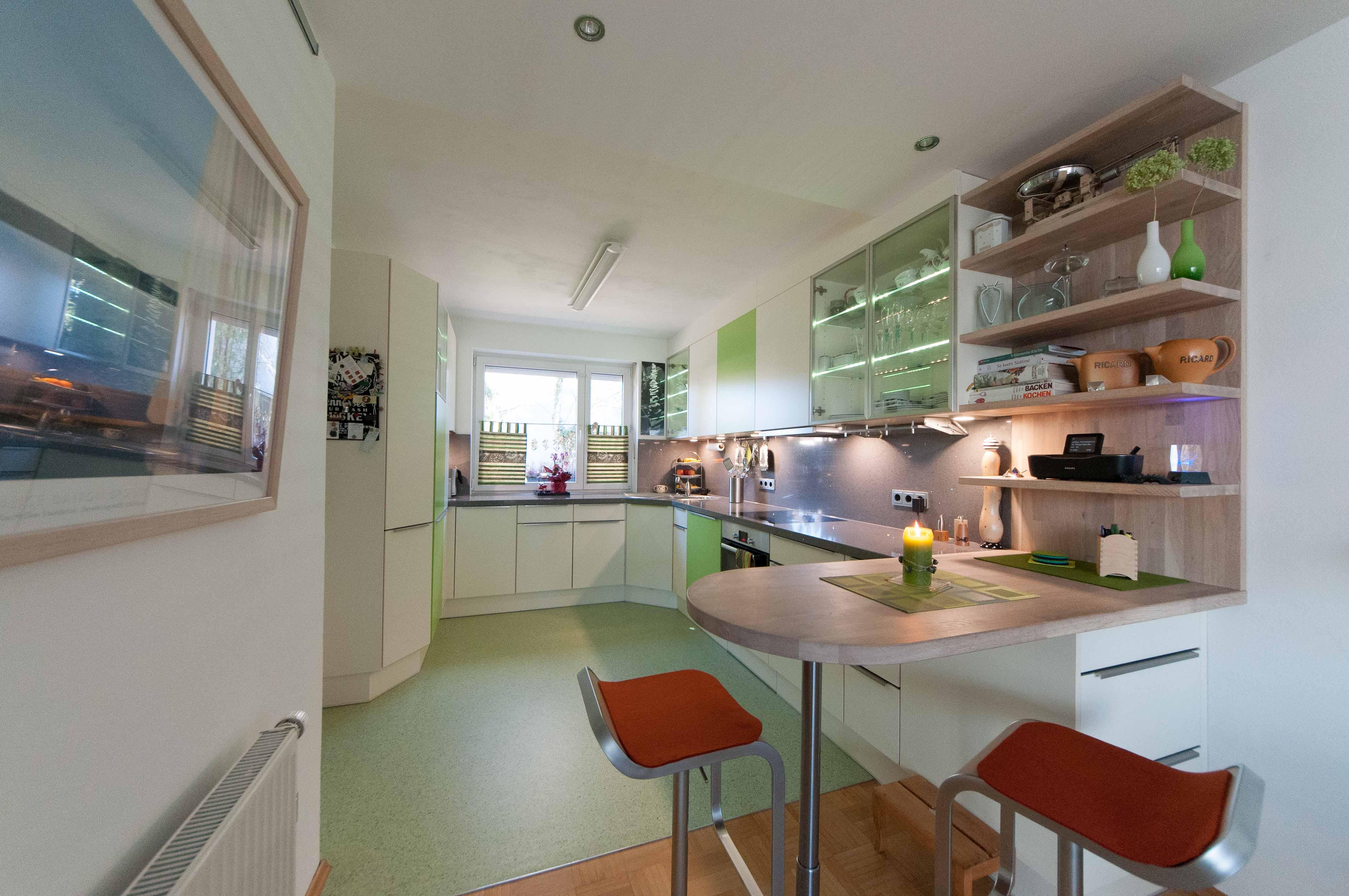 Grüne Fronten hochglanz und Matt in der Küche