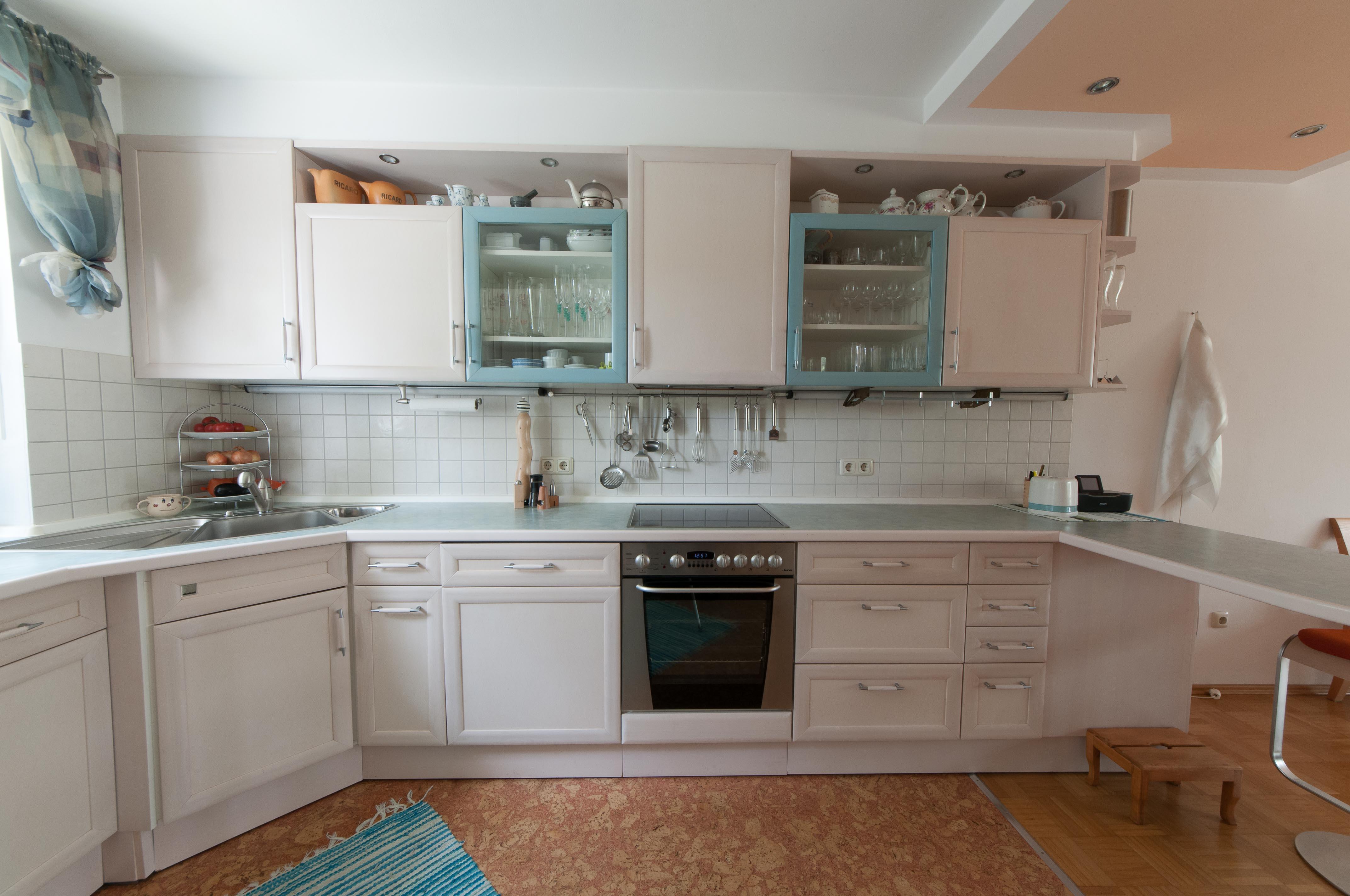 Entscheidungshilfe Küche hochglanz oder matt?Vorher Bild einer bald renovierten Küche