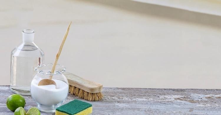 Hausmittel können beim Backofen reinigen wahre wunder bewirken