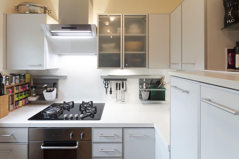 Küchenrenovierung Quarzstein Arbeitsplatte