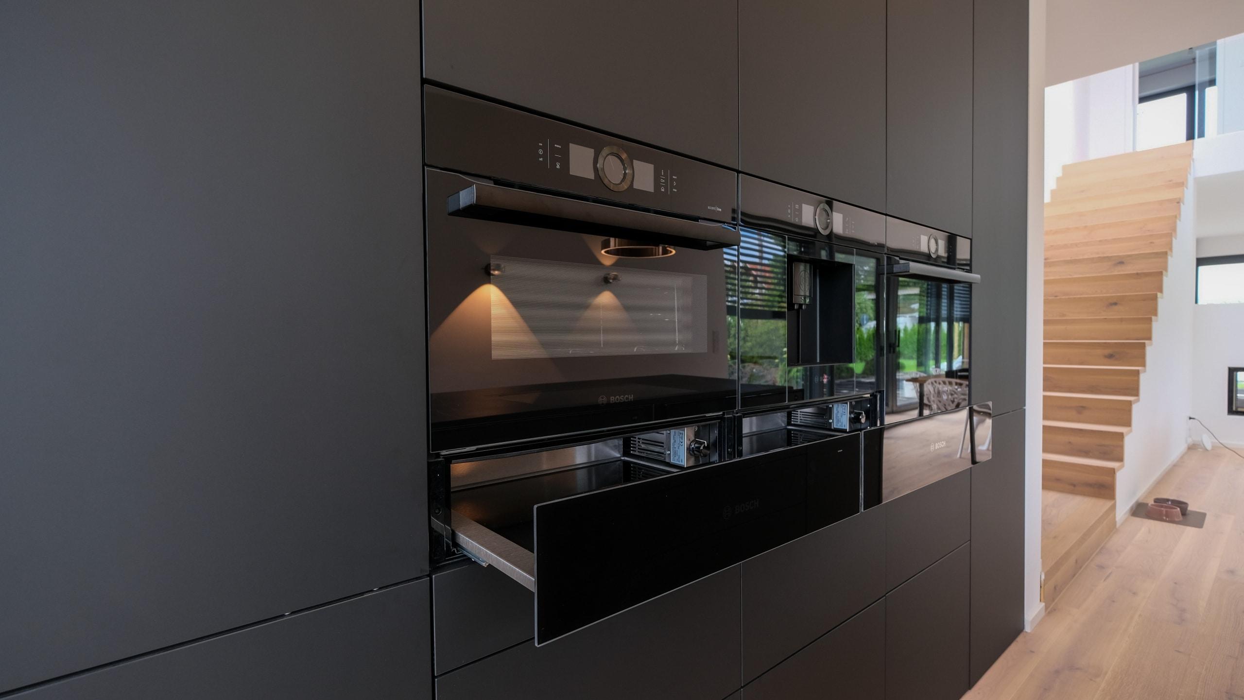 ergonomische-Küche-schwarz