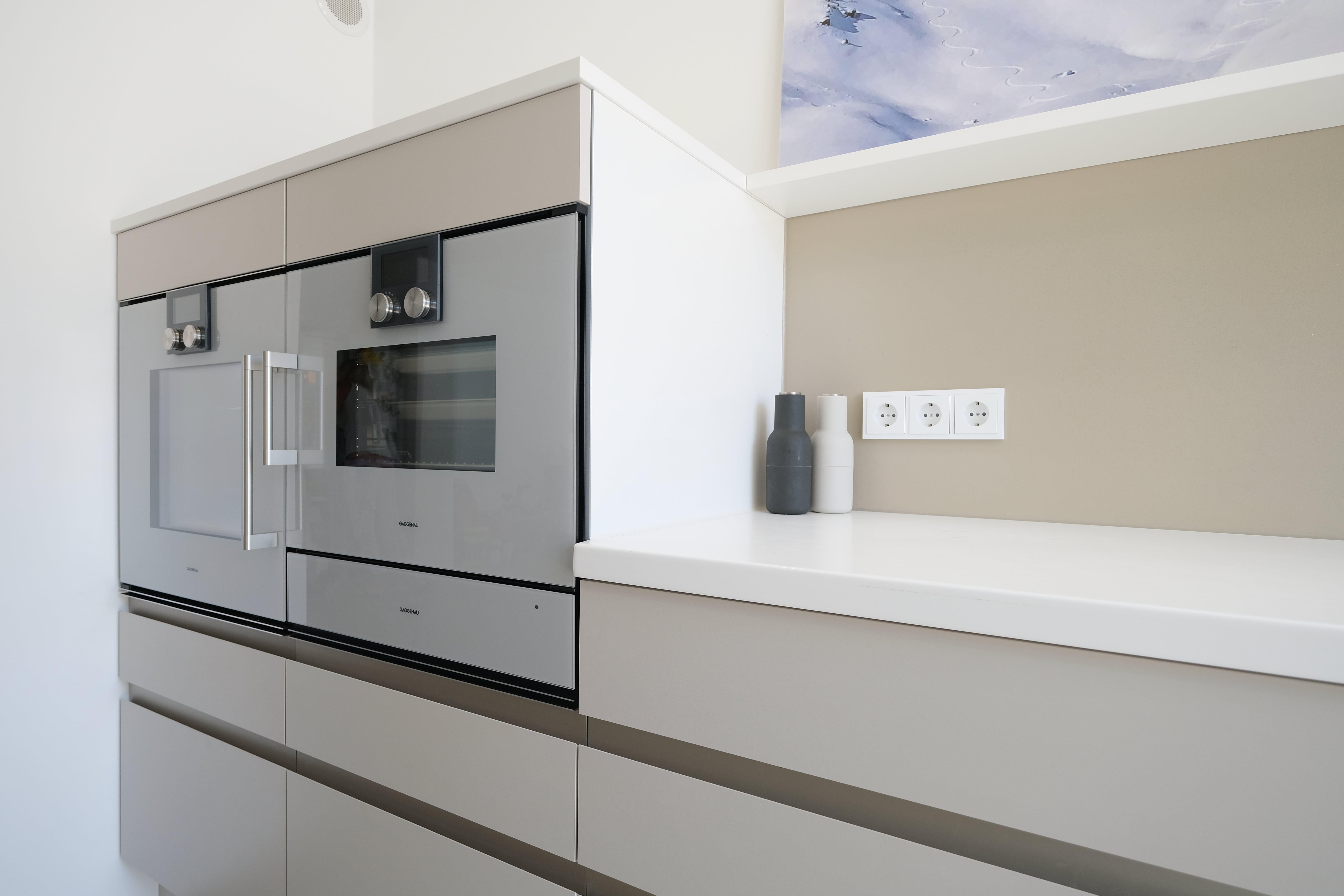 Küchenrenovierung: Neue Geräte + Ofen